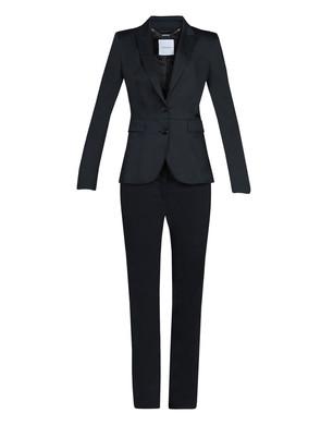 womens-suit