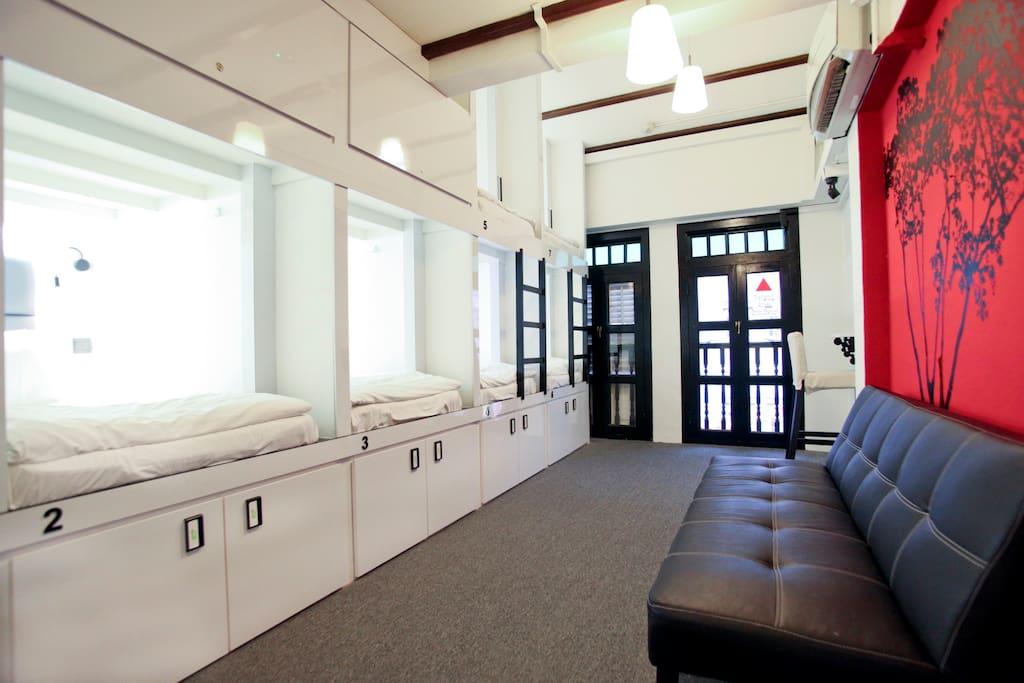 frugal airbnb capsule