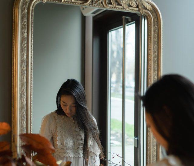 Frugal Ways To Frame A Mirror